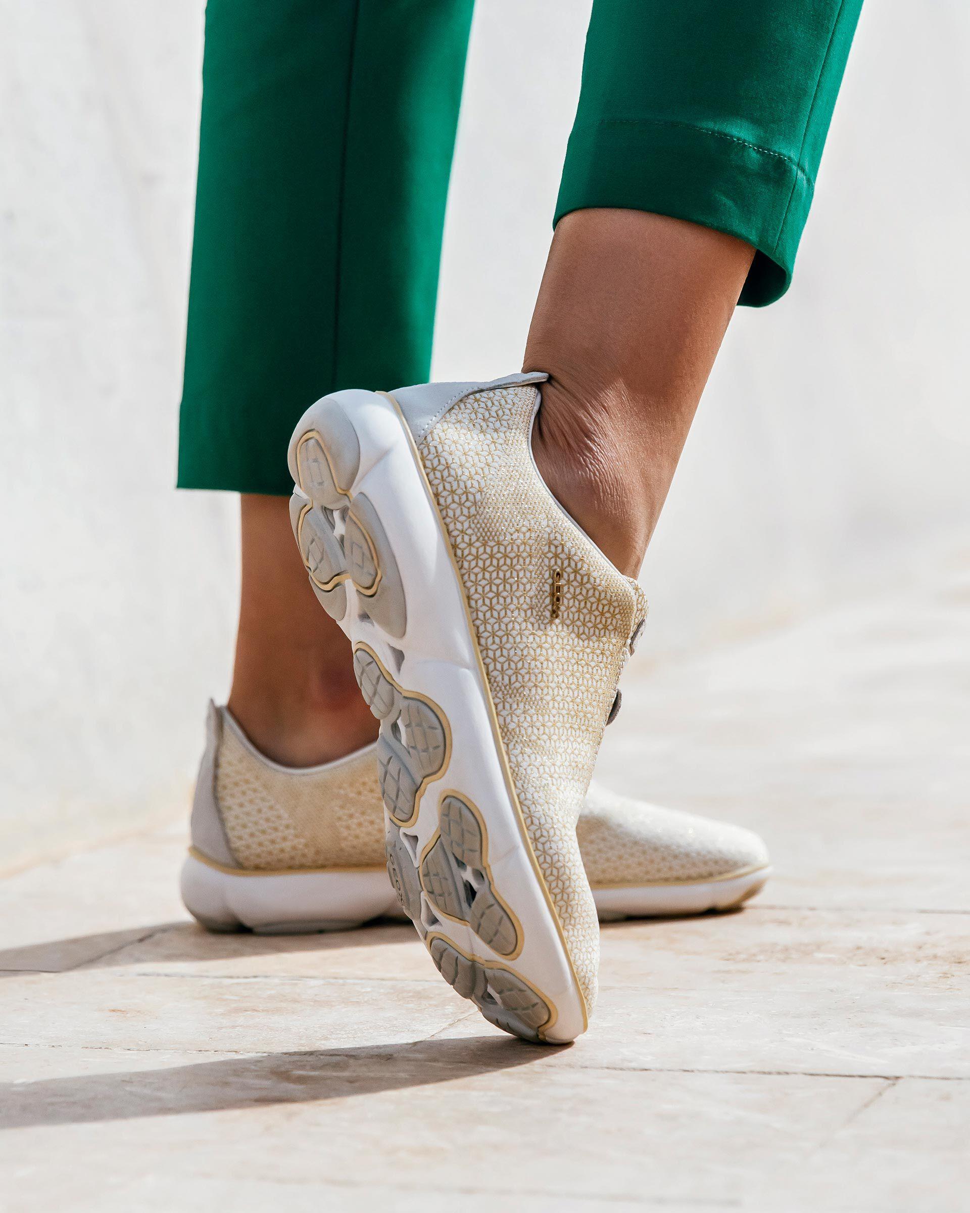 Geox NEBULA Woman: Off-white Sneakers