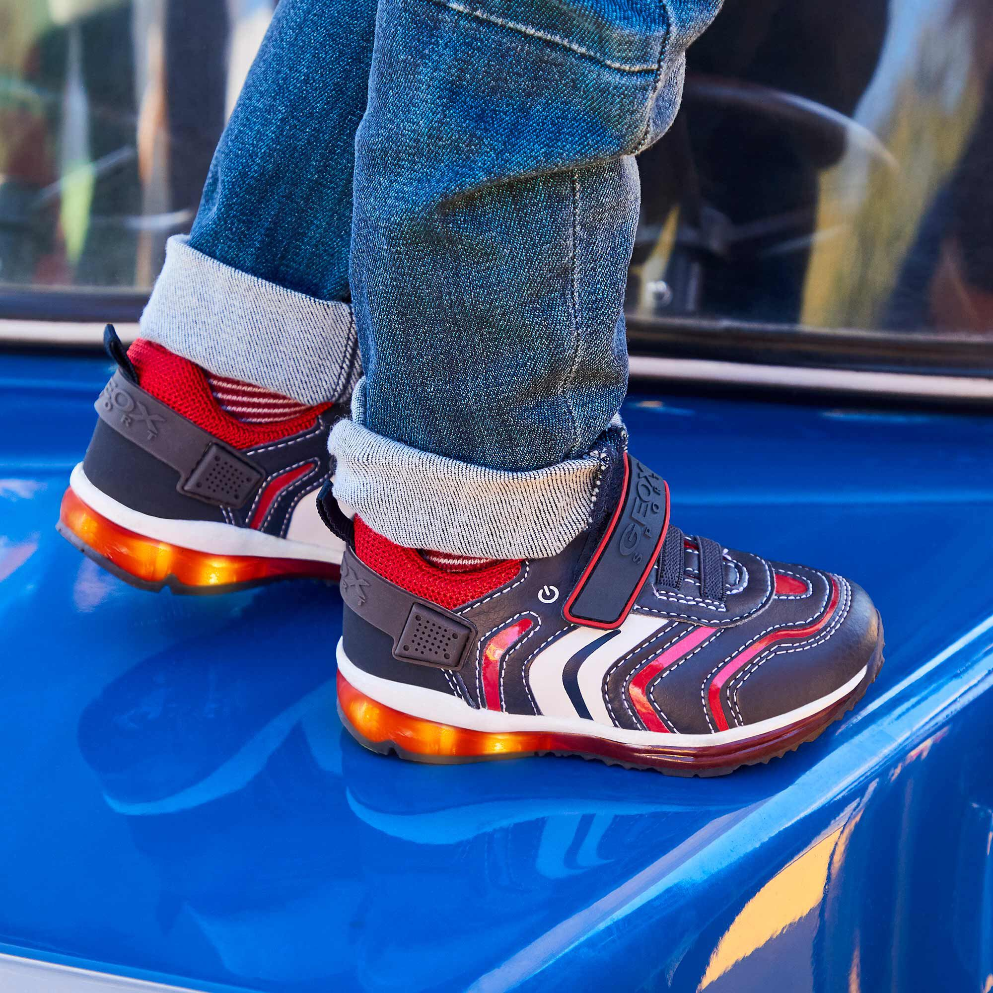 led marche pas sur chaussure geox